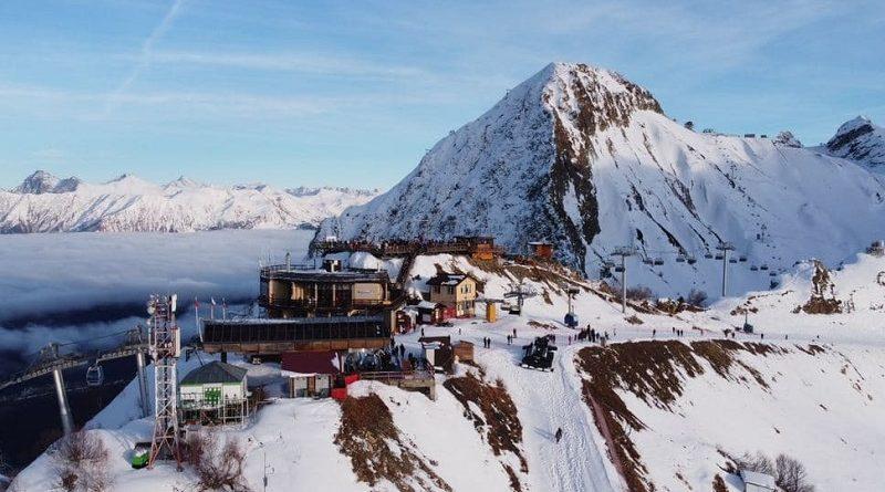 Горы, лыжи, сноуборд на Красной Поляне